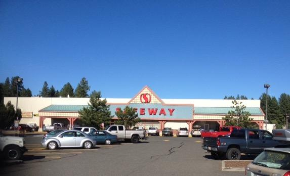 Safeway Store Front Picture at 804 W 1st St in Cle Elum WA