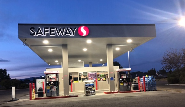 Safeway Fuel Station Store Front Picture - 900 W Hamilton Ave in Campbell CA