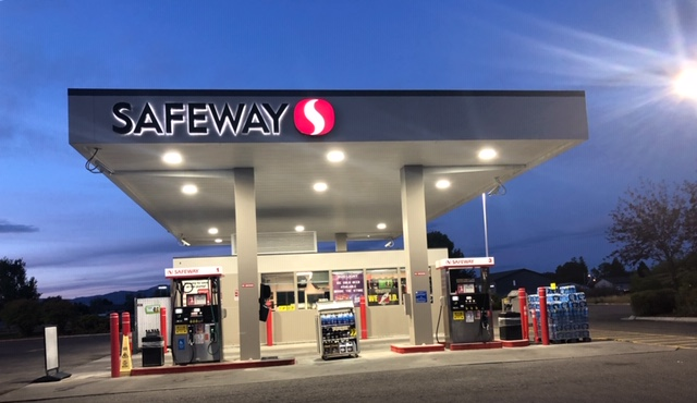 Safeway Fuel Station Store Front Picture - 540 Mt Hood St in The Dalles OR
