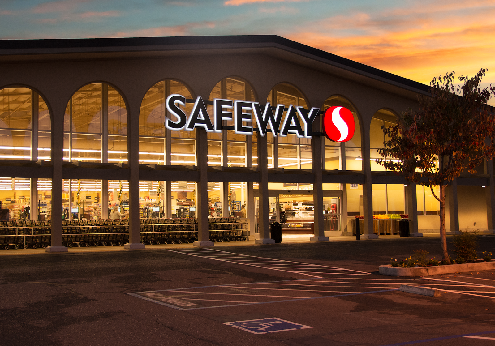 Safeway Store Front Picture - 3540 Mt Diablo Blvd in Lafayette CA