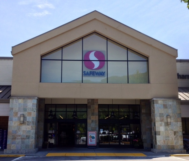 Safeway Store Front Picture at 460 SW Mt Is Blvd in North Bend WA