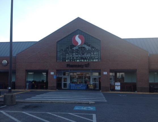 Safeway Store Front Picture at 10276 Southern Maryland Blvd in Dunkirk MD