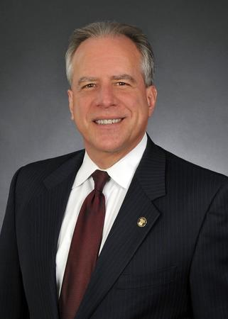 Photo of Fred Abrams