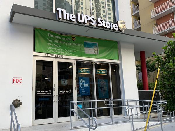 Exterior storefront image of The UPS Store #3155 in Miami, FL