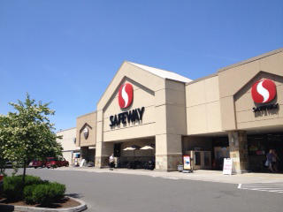 Safeway Store Front Picture at 904 W Main St in Battle Ground WA