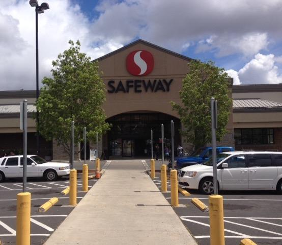 Safeway Store Front Photo at 80 NE Cedar St in Madras OR